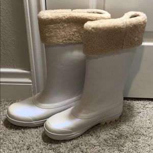 Authentic UGG Fleece-Lined Leather Boots Size US8